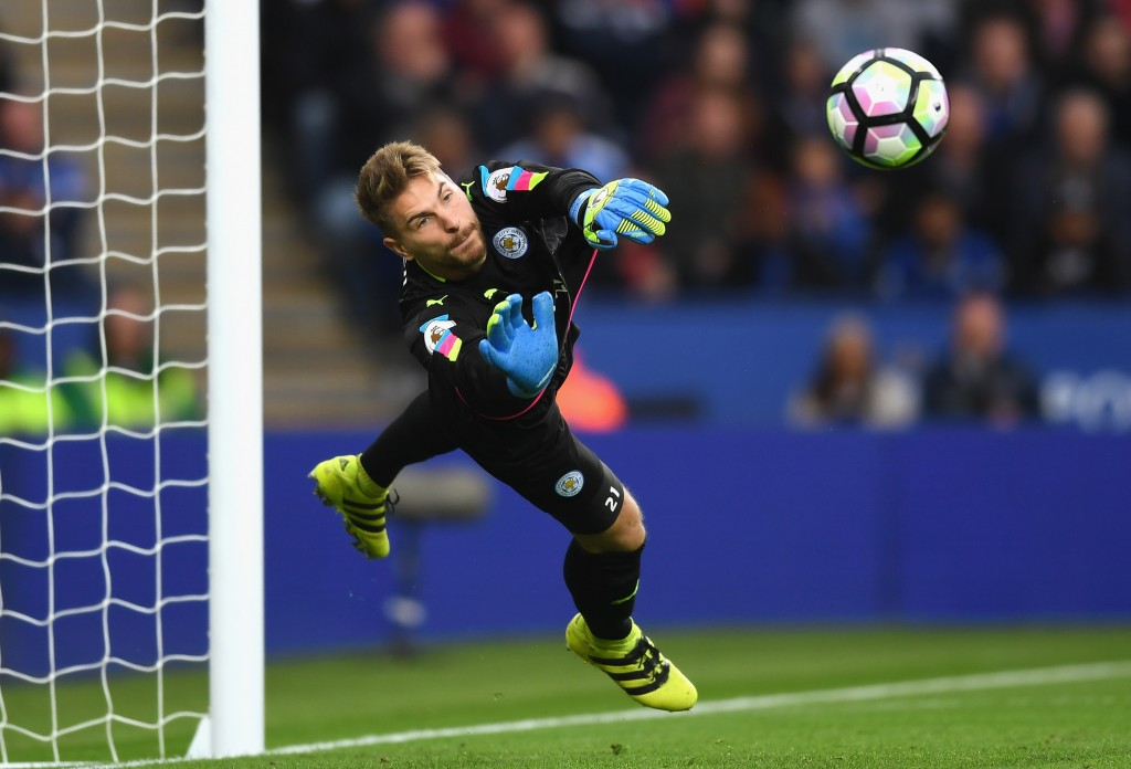 LEICESTER, ENGLAND - SEPTEMBER 17:  Ron-Robert Zieler of Leicester City in action during the Premier League match between Leicester City and Burnley at The King Power Stadium on September 17, 2016 in Leicester, England.  (Photo by Michael Regan/Getty Images)
