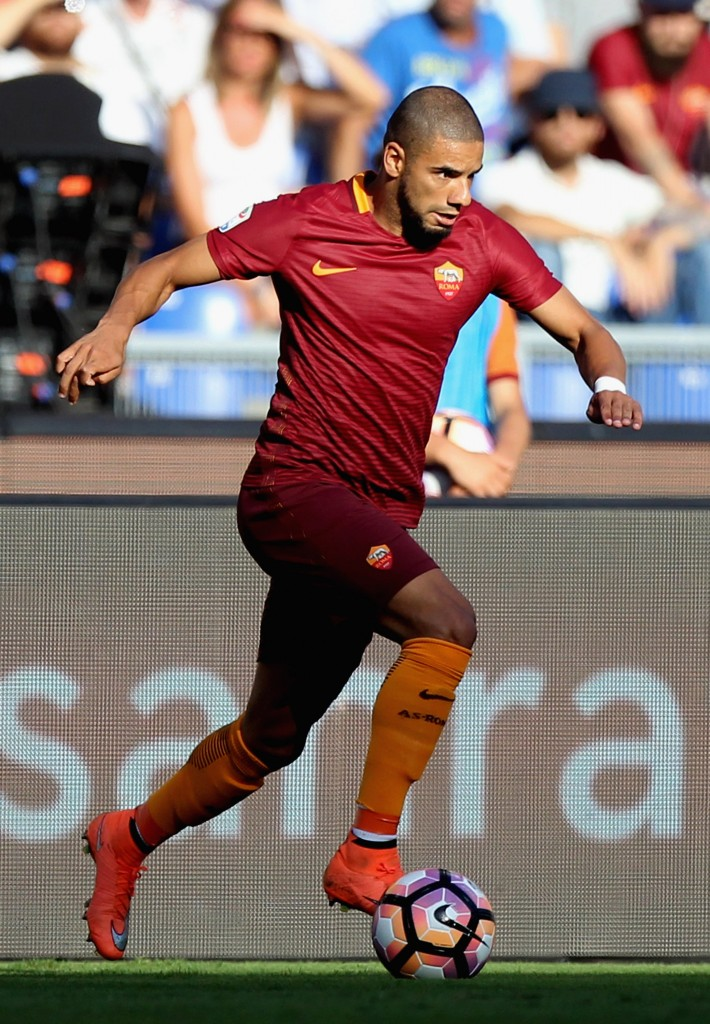 ROME, ITALY - AUGUST 20: Bruno Peres of AS Roma in action during the Serie A match between AS Roma and Udinese Calcio at Olimpico Stadium on August 20, 2016 in Rome, Italy. (Photo by Paolo Bruno/Getty Images)