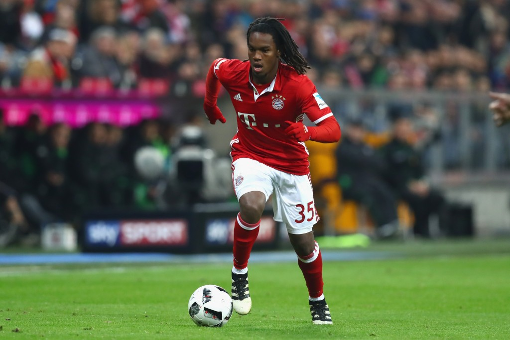 MUNICH, GERMANY - OCTOBER 22: Renato Sanches of Muenchen runs with the ball during the Bundesliga match between Bayern Muenchen and Borussia Moenchengladbach at Allianz Arena on October 22, 2016 in Munich, Germany. (Photo by Alexander Hassenstein/Bongarts/Getty Images)