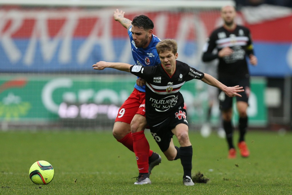 Caen's French forward Andy Delort (L) vies with Nice's French midfielder Vincent Koziello during the French L1 football match between Caen (SM Caen) and Nice (OGC Nice), on January 31, 2016 at the Michel d'Ornano stadium, in Caen, northwestern France. AFP PHOTO / CHARLY TRIBALLEAU / AFP / CHARLY TRIBALLEAU (Photo credit should read CHARLY TRIBALLEAU/AFP/Getty Images)