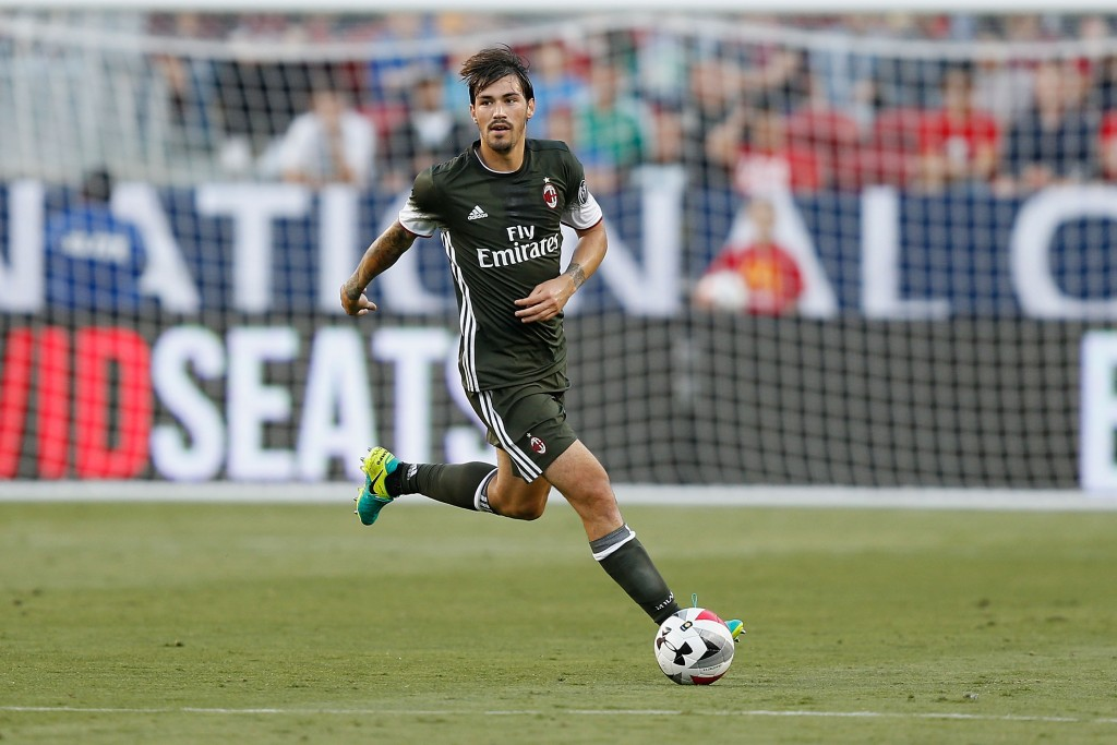 SANTA CLARA, CA - JULY 30: Alessio Romagnoli of AC Milan in action against Liverpool FC during the International Champions Cup match at Levi's Stadium on July 30, 2016 in Santa Clara, California. (Photo by Lachlan Cunningham/Getty Images)