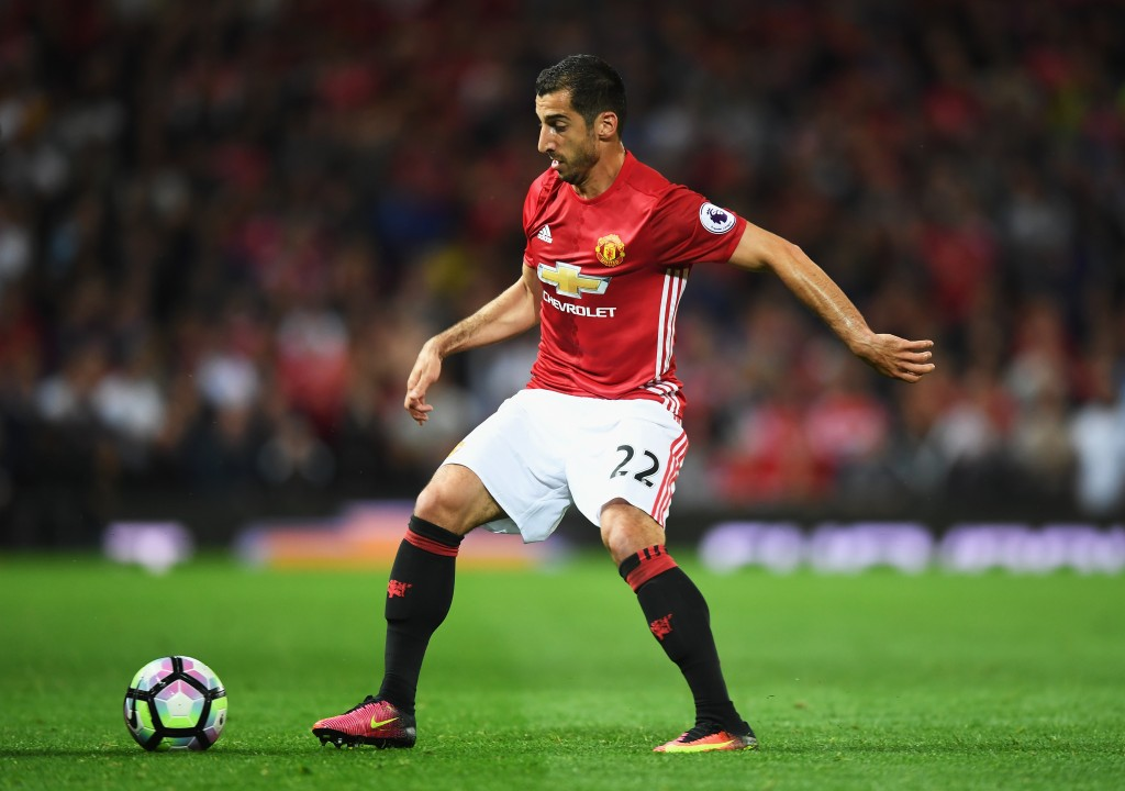 MANCHESTER, ENGLAND - AUGUST 19: Henrikh Mkhitaryan of Manchester United in action during the Premier League match between Manchester United and Southampton at Old Trafford on August 19, 2016 in Manchester, England. (Photo by Michael Regan/Getty Images)