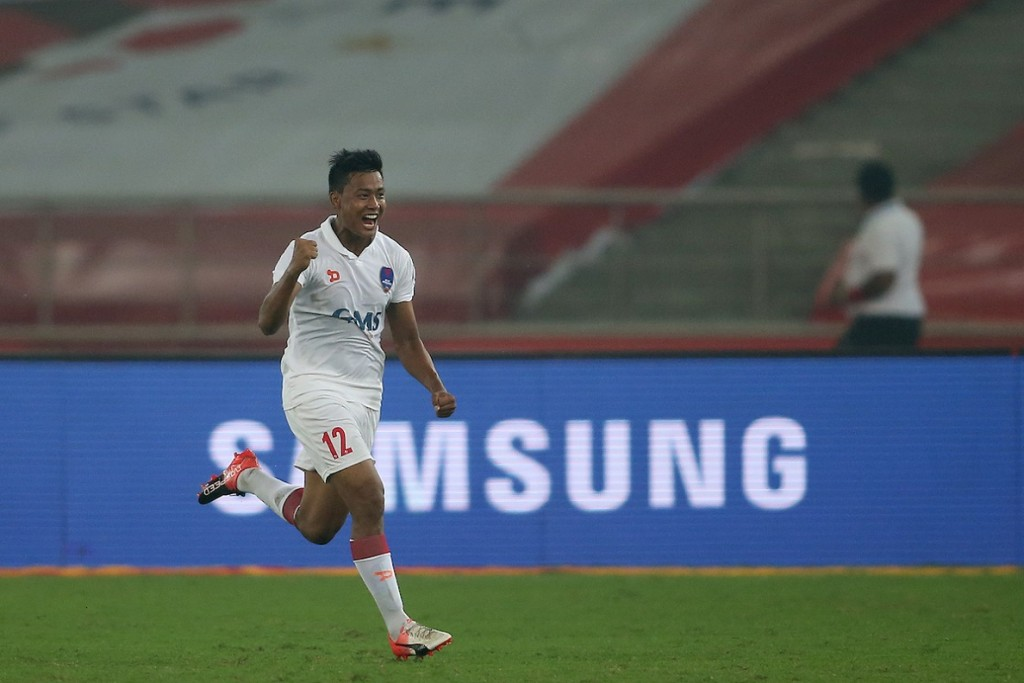 Milan Singh Ongnam of Delhi Dynamos FC celebrates after scoring the equaliser during match 24 of the Indian Super League (ISL) season 3 between Delhi Dynamos FC and FC Pune City held at the Jawaharlal Nehru Stadium in Delhi, India on the 27th October 2016.