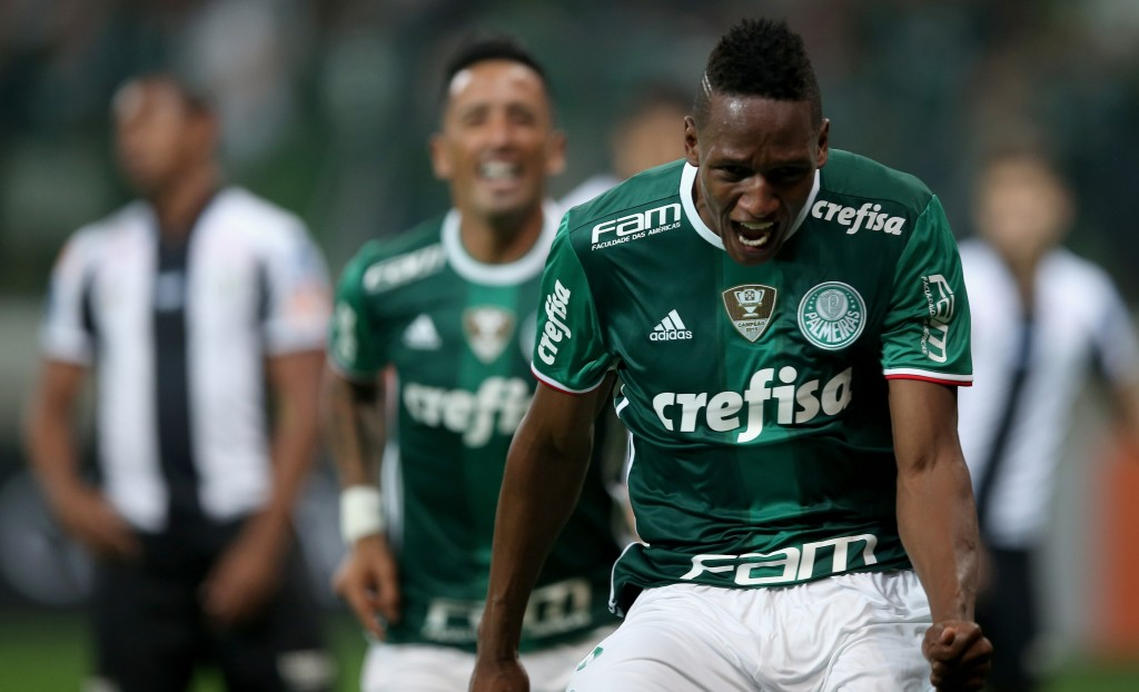SAO PAULO, BRAZIL - JULY 12: Yerry Mina of Palmeiras celebrates scoring the first goal during the match between Palmeiras and Santos for the Brazilian Series A 2016 at Allianz Parque on July 12, 2016 in Sao Paulo, Brazil. (Photo by Friedemann Vogel/Getty Images)