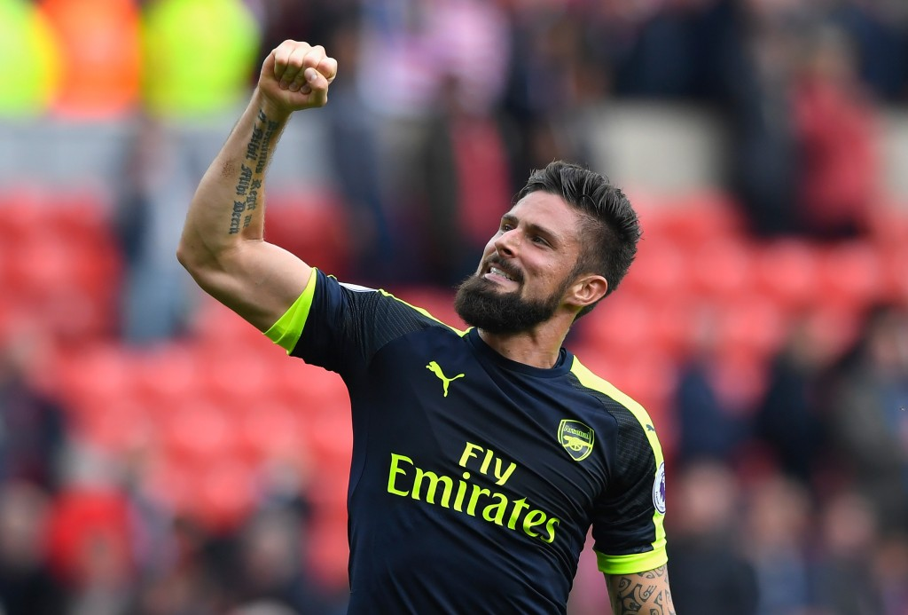 SUNDERLAND, ENGLAND - OCTOBER 29: Olivier Giroud of Arsenal celebrates his team's 4-1 win in the Premier League match between Sunderland and Arsenal at the Stadium of Light on October 29, 2016 in Sunderland, England. (Photo by Stu Forster/Getty Images)