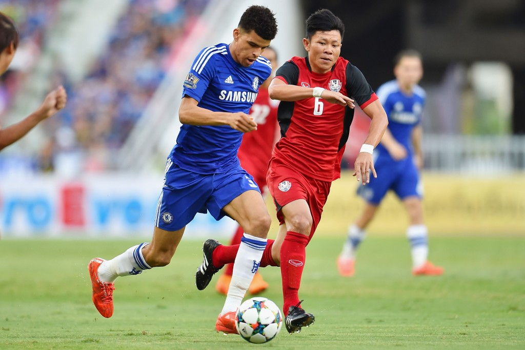 BANGKOK, THAILAND - MAY 30: Dominic Solanke #35 of Chelsea FC run with the ball during the international friendly match between Thailand All-Stars and Chelsea FC at Rajamangala Stadium on May 30, 2015 in Bangkok, Thailand. (Photo by Thananuwat Srirasant/Getty Images)