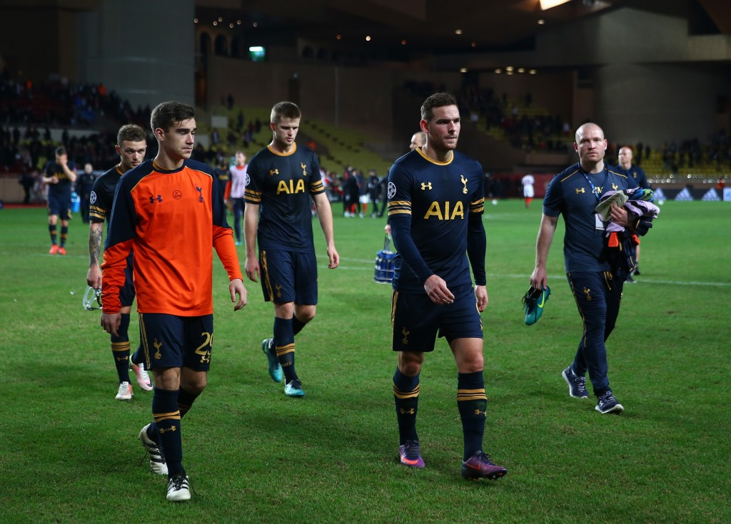 MONACO - NOVEMBER 22: Tottenham Hotspur team look dejected after the UEFA Champions League Group E match between AS Monaco FC and Tottenham Hotspur FC at Louis II Stadium on November 22, 2016 in Monaco. (Photo by Michael Steele/Getty Images)