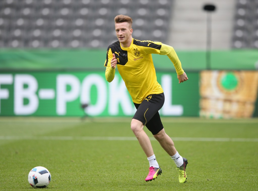 BERLIN, GERMANY - MAY 20: Marco Reus of Borussia Dortmund in action during the Borussia Dortmund training session at Olympiastadion on May 20, 2016 in Berlin, Germany. (Photo by Lars Baron/Bongarts/Getty Images)