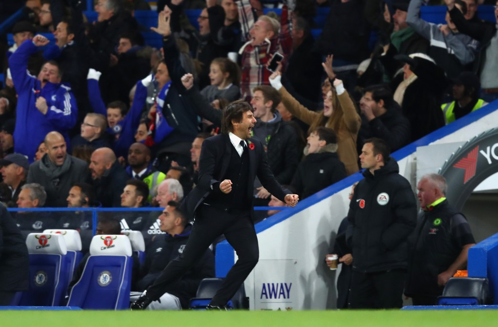 LONDON, ENGLAND - NOVEMBER 05: Antonio Conte, Manager of Chelsea celebrates his sides fourth goal during the Premier League match between Chelsea and Everton at Stamford Bridge on November 5, 2016 in London, England. (Photo by Clive Rose/Getty Images)