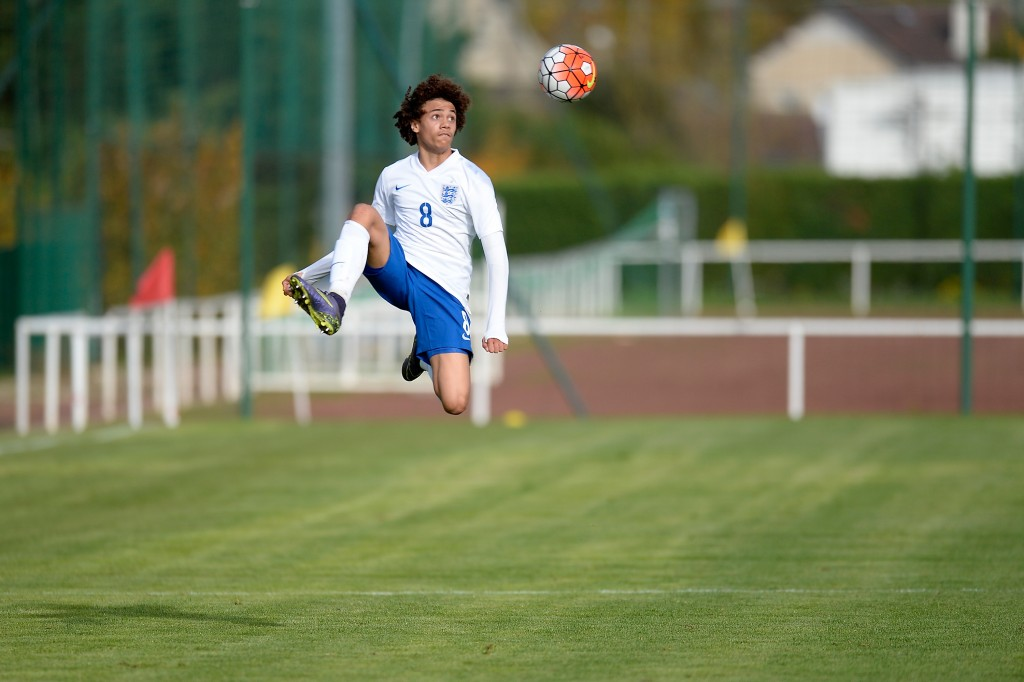 BOISSY-SAINT-LEGER, FRANCE - OCTOBER 29: Nya Kirby of England controls the ball during the Tournoi International game between England U16 and the Netherlands U16 on October 29, 2015 in Boissy-Saint-Leger, France. (Photo by Aurelien Meunier/Getty Images)