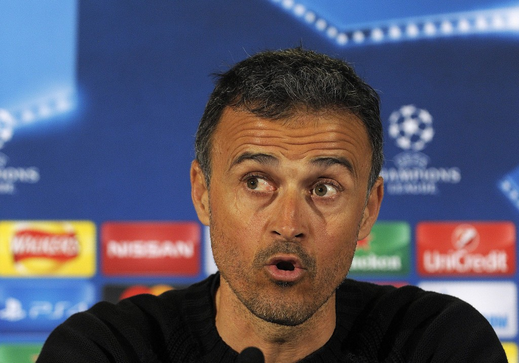 Barcelona's coach Luis Enrique attends a press conference at Celtic Park stadium in Glasgow on November 22, 2016 ahead of their UEFA Champions League group C football match against Celtic in Glasgow on November 23. / AFP / Andy Buchanan (Photo credit should read ANDY BUCHANAN/AFP/Getty Images)