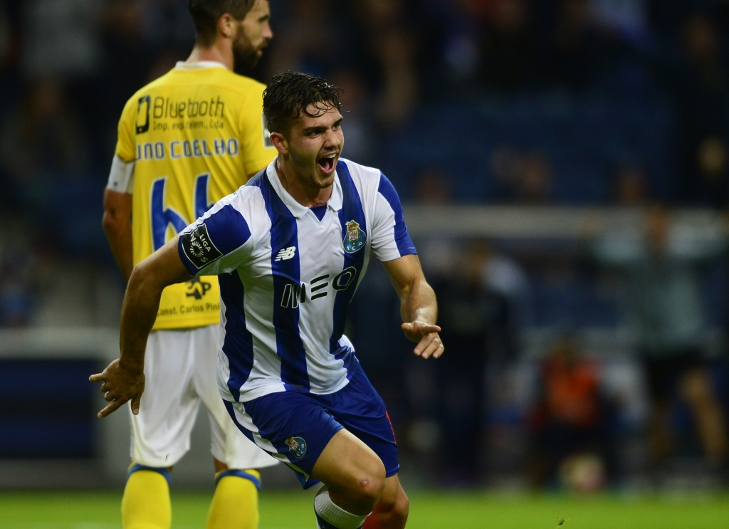 Porto's midfielder Andre Silva celebrates after scoring a goal during the Portuguese league football match FC Porto vs FC Arouca at the Dragao stadium in Porto on October 22, 2016. / AFP / MIGUEL RIOPA (Photo credit should read MIGUEL RIOPA/AFP/Getty Images)