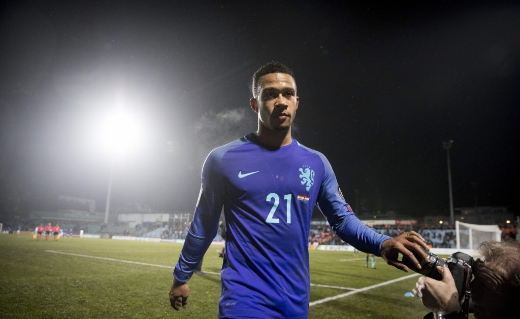 Netherlands' Memphis Depay leaves the field after winning the World Cup 2018 qualifying match between Luxembourg and Netherlands on November 13, 2016 at the Josy Barthel Stadium in Luxembourg. (Photo by Jerry Lampen/AFP/Getty Images)