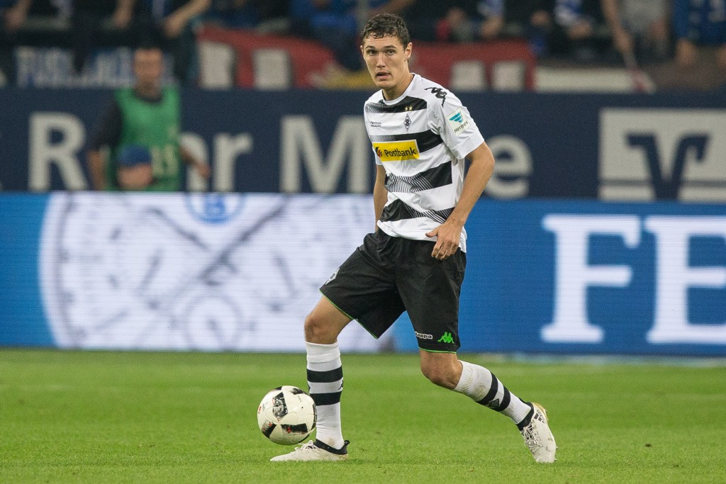 GELSENKIRCHEN, GERMANY - OCTOBER 02: Andreas Christensen of Borussia Moenchengladbach plays the ball at the Bundesliga match between FC Schalke 04 and Borussia Moenchengladbach at Veltins-Arena on October 2, 2016 in Gelsenkirchen, Germany. (Photo by Maja Hitij/Bongarts/Getty Images)