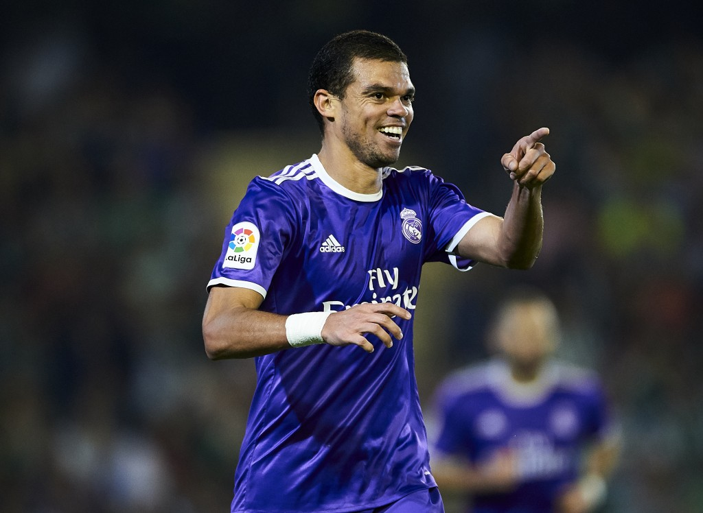 SEVILLE, SPAIN - OCTOBER 15: Pepe of Real Madrid CF celebrates after scoring during the match between Real Betis Balompie and Real Madrid CF as part of La Liga at Benito Villamrin stadium October 15, 2016 in Seville, Spain. (Photo by Aitor Alcalde/Getty Images)