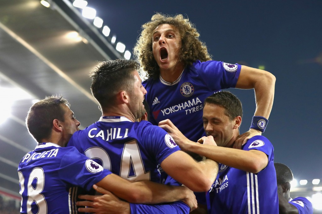 SOUTHAMPTON, ENGLAND - OCTOBER 30: David Luiz of Chelsea (C) celebrates after his team mate Diego Costa of Chelsea scores their sides second goal during the Premier League match between Southampton and Chelsea at St Mary's Stadium on October 30, 2016 in Southampton, England. (Photo by Clive Rose/Getty Images)