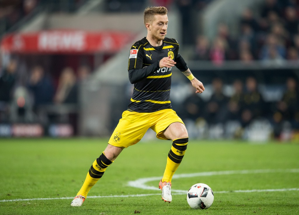 COLOGNE, GERMANY - DECEMBER 10: Marco Reus of Dortmund in action during the Bundesliga match between 1. FC Koeln and Borussia Dortmund at RheinEnergieStadion on December 10, 2016 in Cologne, Germany. (Photo by Lukas Schulze/Bongarts/Getty Images)