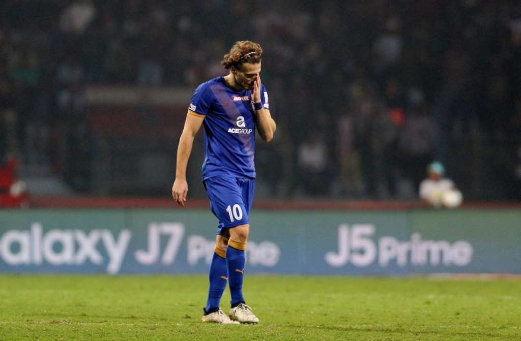 An early shower for Forlan saw Mumbai City succumb to a narrow 3-2 loss in the first leg of the semi-final. (Picture Courtesy - ISL)