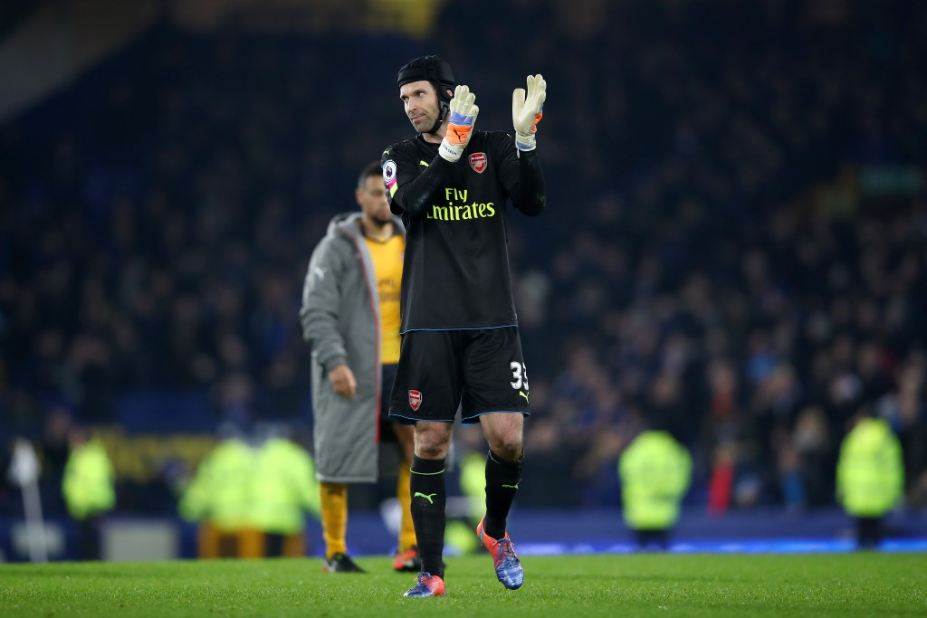 LIVERPOOL, ENGLAND - DECEMBER 13: A dejected Petr Cech of Arsenal applauds the travelling fans following his team's 2-1 defeat during the Premier League match between Everton and Arsenal at Goodison Park on December 13, 2016 in Liverpool, England. (Photo by Clive Brunskill/Getty Images)