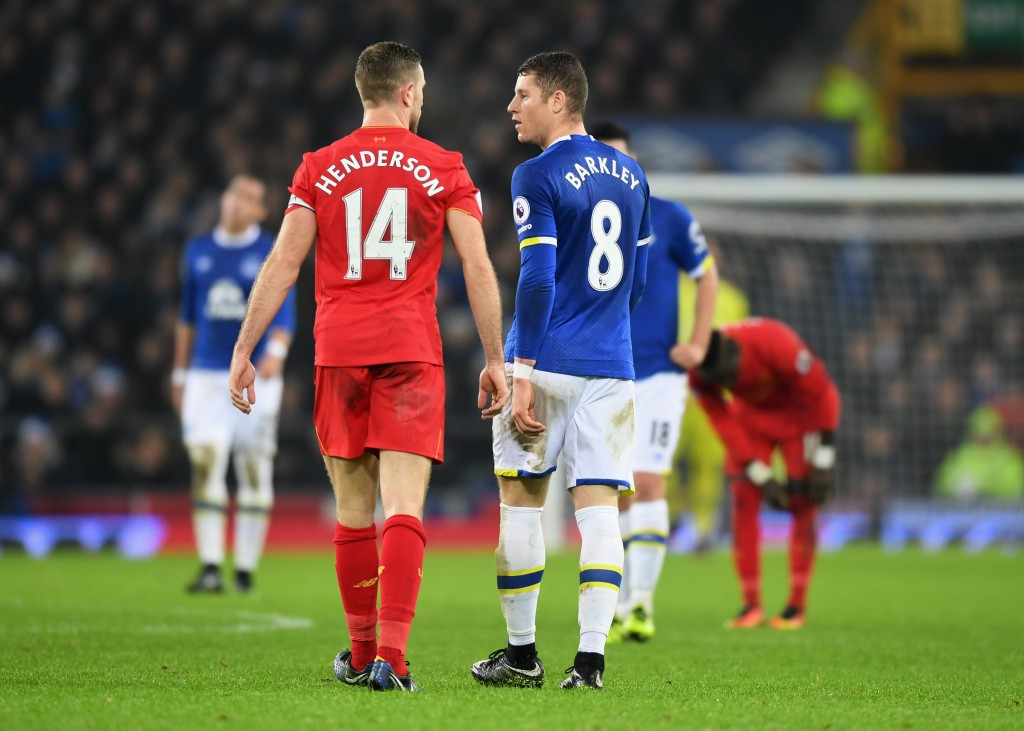 LIVERPOOL, ENGLAND - DECEMBER 19: Jordan Henderson of Liverpool and Ross Barkley of Everton argue during the Premier League match between Everton and Liverpool at Goodison Park on December 19, 2016 in Liverpool, England. (Photo by Michael Regan/Getty Images)