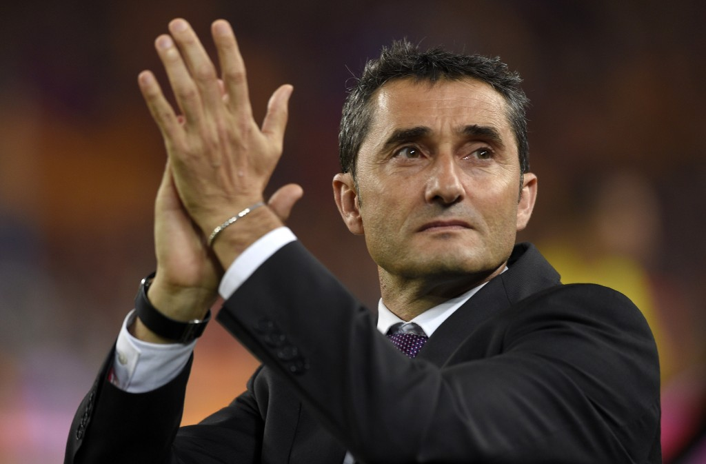 Athletic Bilbao's coach Ernesto Valverde applauds at the end of the Spanish Copa del Rey (King's Cup) final football match Athletic Club Bilbao vs FC Barcelona at the Camp Nou stadium in Barcelona on May 30, 2015. Barcelona won 3-1. AFP PHOTO/ LLUIS GENE (Photo credit should read LLUIS GENE/AFP/Getty Images)
