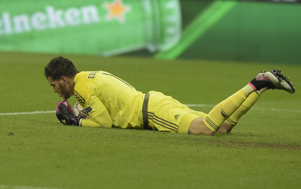 Safe hands from the stopper. (Picture Courtesy - AFP/Getty Images)
