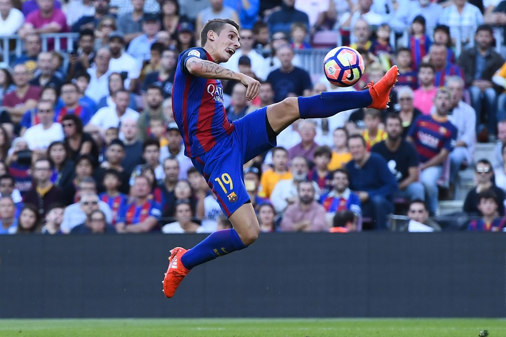 BARCELONA, SPAIN - OCTOBER 15: Lucas Digne of FC Barcelona controls the ball during the La Liga match between FC Barcelona and RC Deportivo La Coruna at Camp Nou stadium on October 15, 2016 in Barcelona, Spain. (Photo by David Ramos/Getty Images)