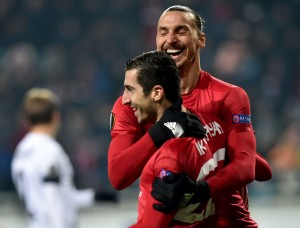 Goals from Mkhitaryan and Zlatan ensure 2-0 win for Manchester United [Video]