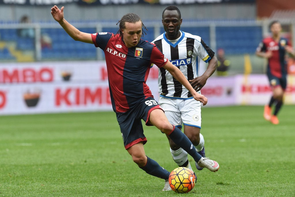 GENOA, ITALY - FEBRUARY 21: Diego Laxalt of Genoa CFC in action during the Serie A match between Genoa CFC and Udinese Calcio at Stadio Luigi Ferraris on February 21, 2016 in Genoa, Italy. (Photo by Pier Marco Tacca/Getty Images)