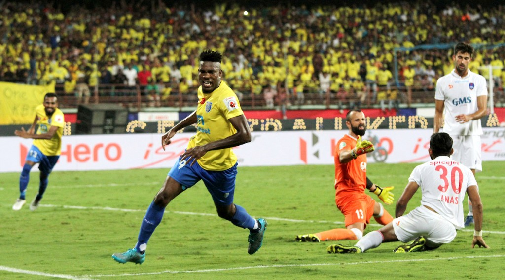 Kervens Belfort of Kerala Blasters FC celebrates a goal during the Semi-final 1st Leg match of the Indian Super League (ISL) season 3 between Kerala Blasters FC and Delhi Dynamos FC held at the Jawaharlal Nehru Stadium in Kochi, India on the 11th December 2016. Photo by Vipin Pawar / ISL / SPORTZPICS