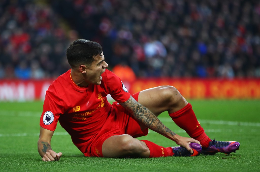 LIVERPOOL, ENGLAND - NOVEMBER 26: Philippe Coutinho of Liverpool reacts during the Premier League match between Liverpool and Sunderland at Anfield on November 26, 2016 in Liverpool, England. (Photo by Clive Brunskill/Getty Images)