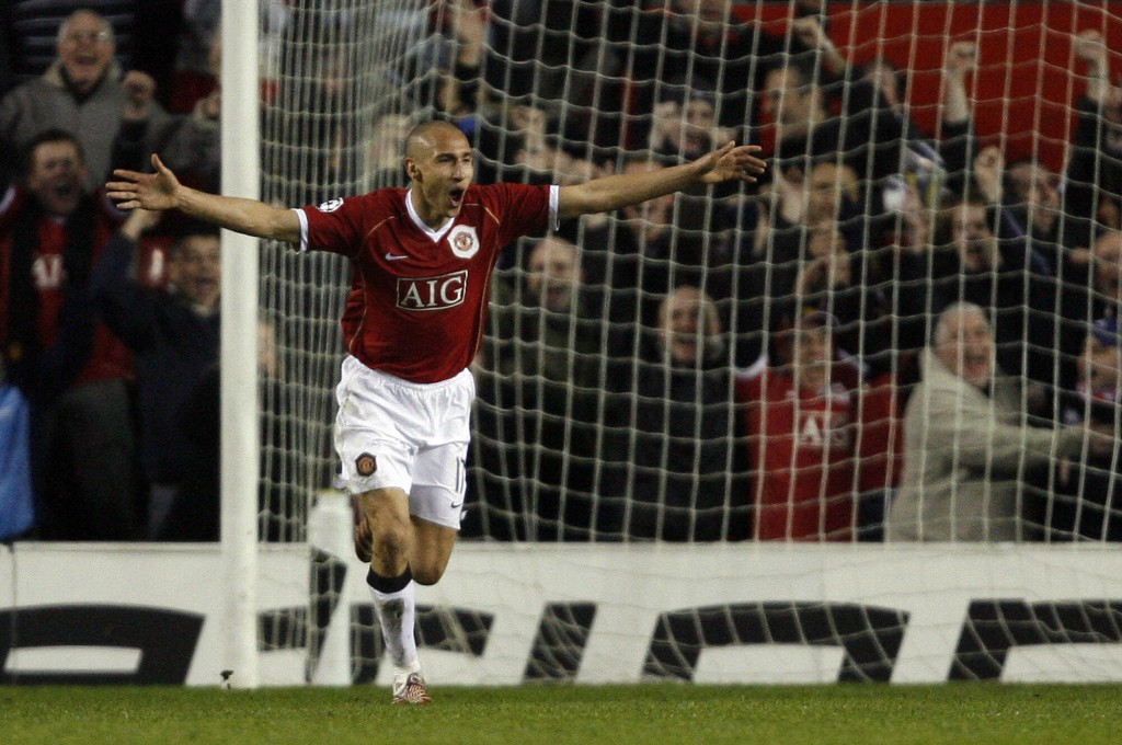 Manchester, UNITED KINGDOM: Manchester United's Swedish forward Henrik Larsson celebrates scoring against Lille during their UEFA Champions League first knockout round, second leg football match at Old Trafford, Manchester, north-west England, 07 March 2007. (Photo credit by Andrew Yates/AFP/Getty Images)