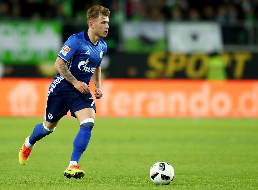 WOLFSBURG, GERMANY - NOVEMBER 19: Max Meyer of Schalke runs with the ball during the Bundesliga match between VfL Wolfsburg and FC Schalke 04 at Volkswagen Arena on November 19, 2016 in Wolfsburg, Germany. (Photo by Martin Rose/Bongarts/Getty Images)