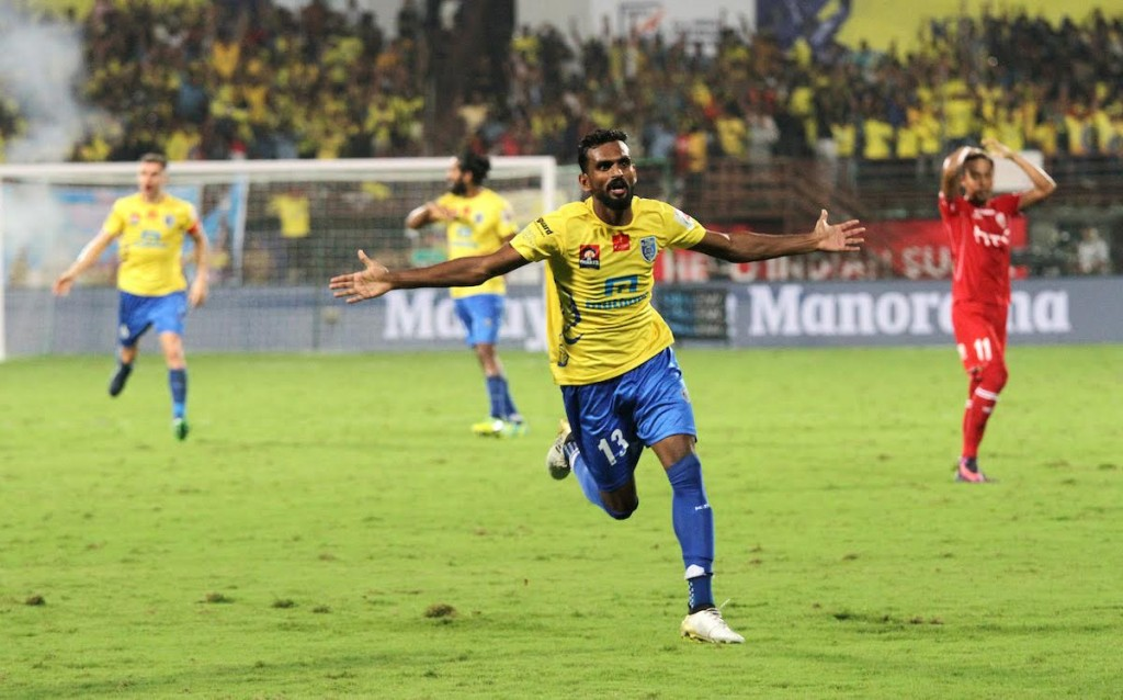 C K Vineeth of Kerala Blasters FC celebrates a goal during match 56 of the Indian Super League (ISL) season 3 between Kerala Blasters FC and NorthEast United FC held at the Jawaharlal Nehru Stadium in Kochi, India on the 4th December 2016.Photo by Vipin Pawar / ISL / SPORTZPICS