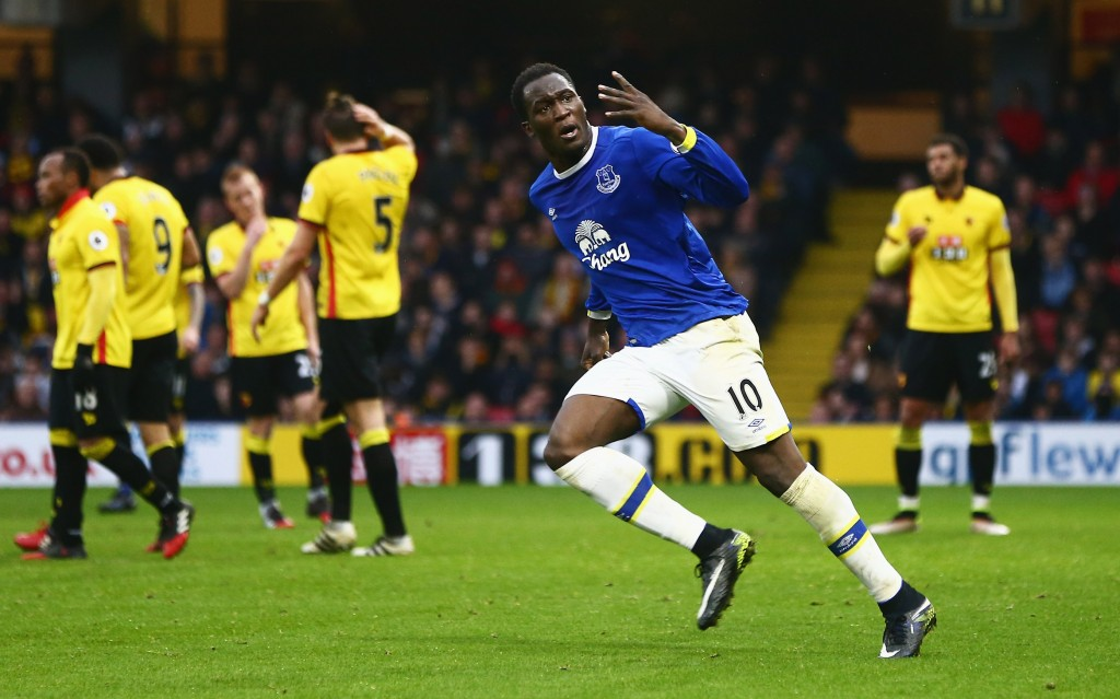 WATFORD, ENGLAND - DECEMBER 10: Romelu Lukaku of Everton celebrates as he scores their second goal during the Premier League match between Watford and Everton at Vicarage Road on December 10, 2016 in Watford, England. (Photo by Jordan Mansfield/Getty Images)