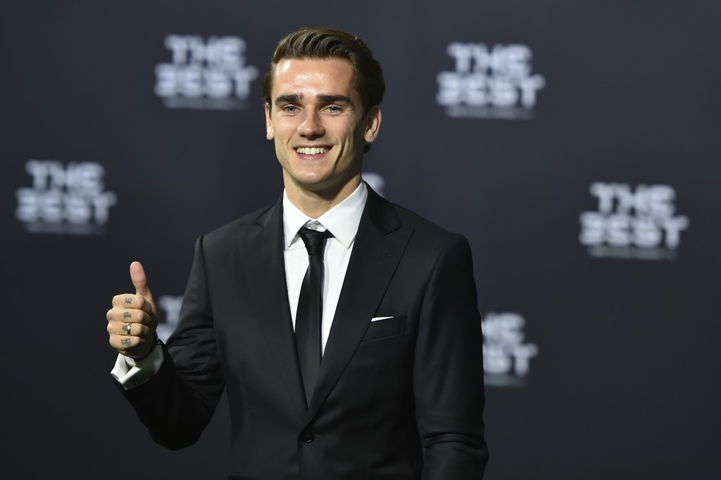 Atletico Madrid and France's forward Antoine Griezmann poses as he arrives for The Best FIFA Football Awards 2016 ceremony, on January 9, 2017 in Zurich. / AFP / MICHAEL BUHOLZER (Photo credit should read MICHAEL BUHOLZER/AFP/Getty Images)
