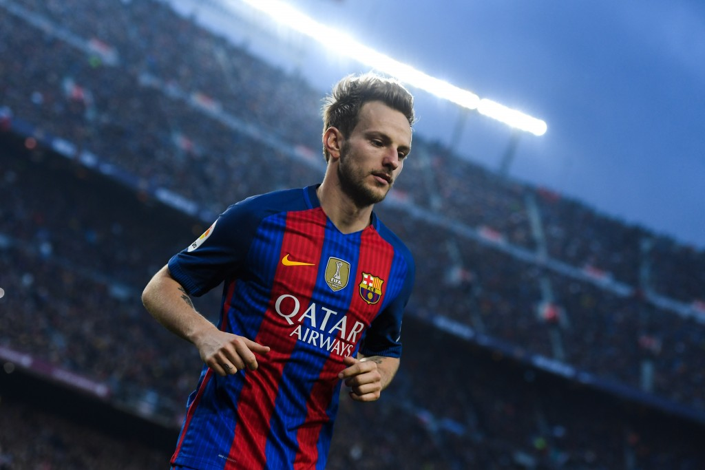 BARCELONA, SPAIN - DECEMBER 03: Ivan Rakitic of FC Barcelona looks on during the La Liga match between FC Barcelona and Real Madrid CF at Camp Nou stadium on December 3, 2016 in Barcelona, Spain. (Photo by David Ramos/Getty Images)