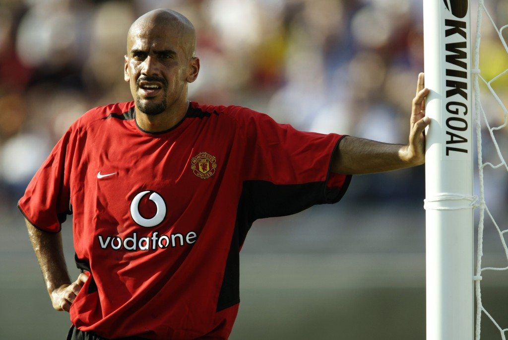 Manchester United was the team for me - Veron expressed his regret at leaving the Red Devils for Chelsea. (Photo courtesy - Jeff Gross/Getty Images)