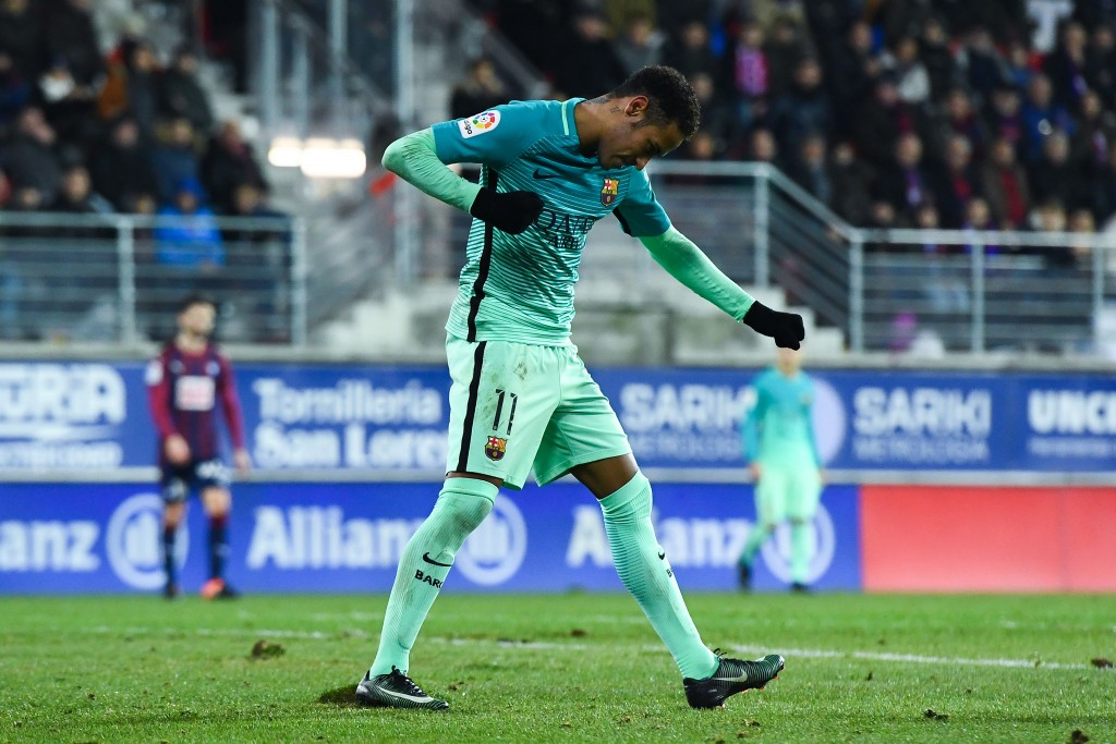 EIBAR, SPAIN - JANUARY 22: Neymar Jr. of FC Barcelona celebrates after scoring his team's fourth goal during the La Liga match between SD Eibar and FC Barcelona at Ipurua stadium on January 22, 2017 in Eibar, Spain. (Photo by David Ramos/Getty Images)