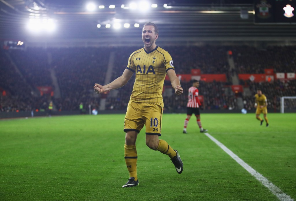 SOUTHAMPTON, ENGLAND - DECEMBER 28: Harry Kane of Tottenham Hotspur celebrates as he scores their second goal during the Premier League match between Southampton and Tottenham Hotspur at St Mary's Stadium on December 28, 2016 in Southampton, England. (Photo by Julian Finney/Getty Images)