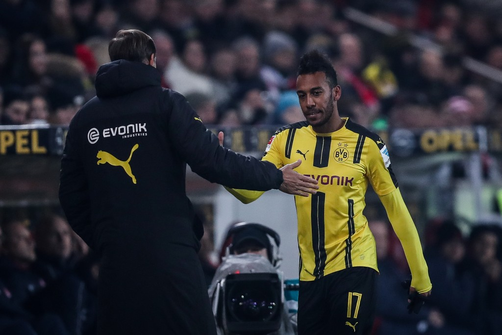 MAINZ, GERMANY - JANUARY 29: Pierre-Emerick Aubameyang of Dortmund leaves the pitch during the Bundesliga match between 1. FSV Mainz 05 and Borussia Dortmund at Opel Arena on January 29, 2017 in Mainz, Germany. (Photo by Maja Hitij/Bongarts/Getty Images)