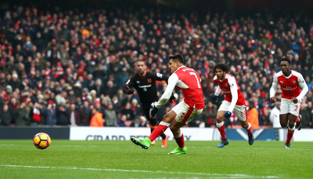 LONDON, ENGLAND - FEBRUARY 11: Alexis Sanchez of Arsenal converts the penalty to score his side's second goal during the Premier League match between Arsenal and Hull City at Emirates Stadium on February 11, 2017 in London, England. (Photo by Clive Rose/Getty Images)