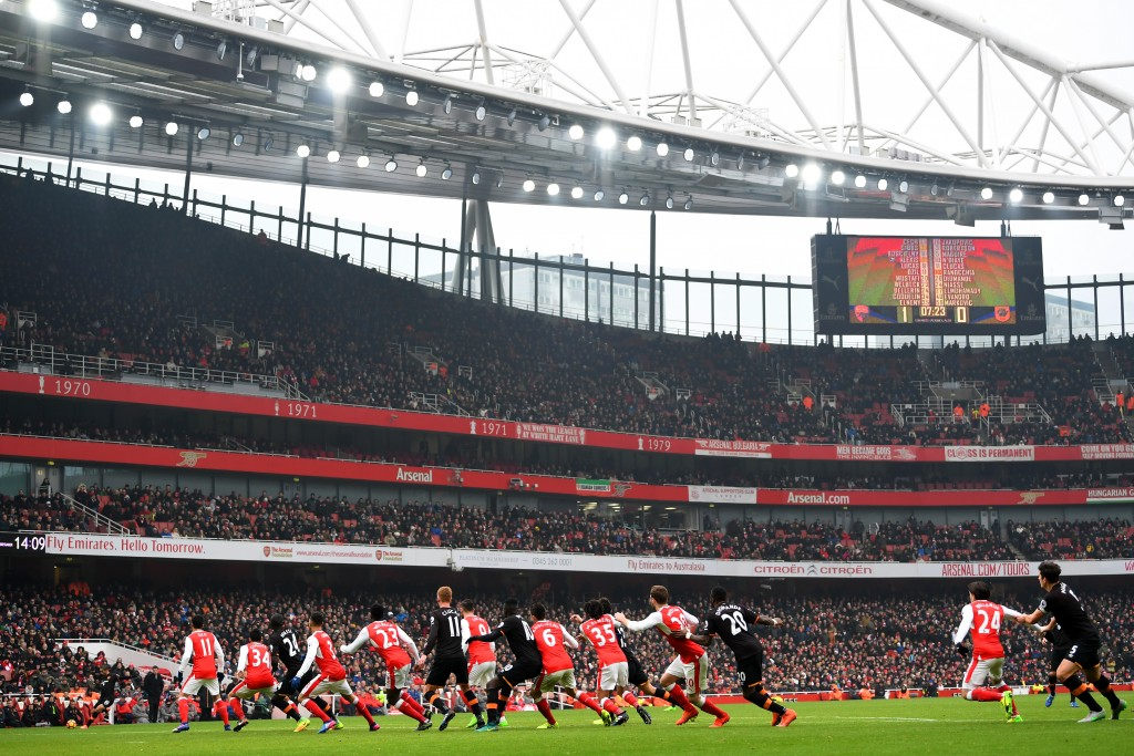 LONDON, ENGLAND - FEBRUARY 11: Players tussle during the Premier League match between Arsenal and Hull City at Emirates Stadium on February 11, 2017 in London, England. (Photo by Laurence Griffiths/Getty Images)