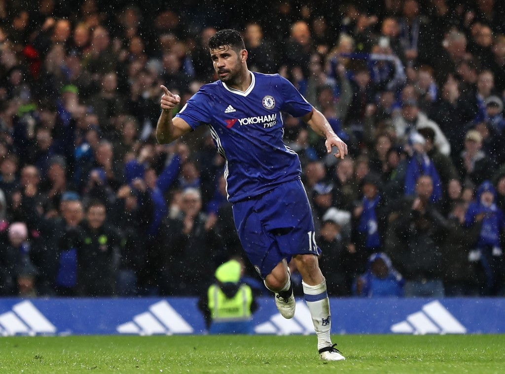 LONDON, ENGLAND - FEBRUARY 25: Diego Costa of Chelsea celebrates scoring his sides third goal during the Premier League match between Chelsea and Swansea City at Stamford Bridge on February 25, 2017 in London, England. (Photo by Bryn Lennon/Getty Images)
