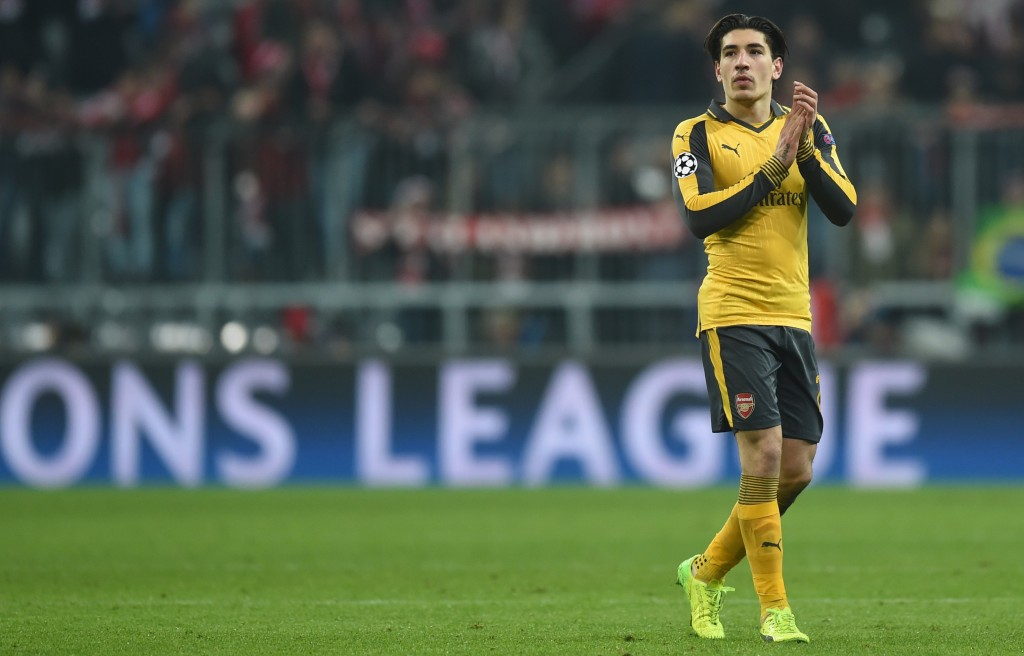 Arsenal's Spanish defender Hector Bellerin leaves the field the UEFA Champions League round of sixteen football match between FC Bayern Munich and Arsenal in Munich, southern Germany, on February 15, 2017. / AFP / Christof STACHE (Photo credit should read CHRISTOF STACHE/AFP/Getty Images)