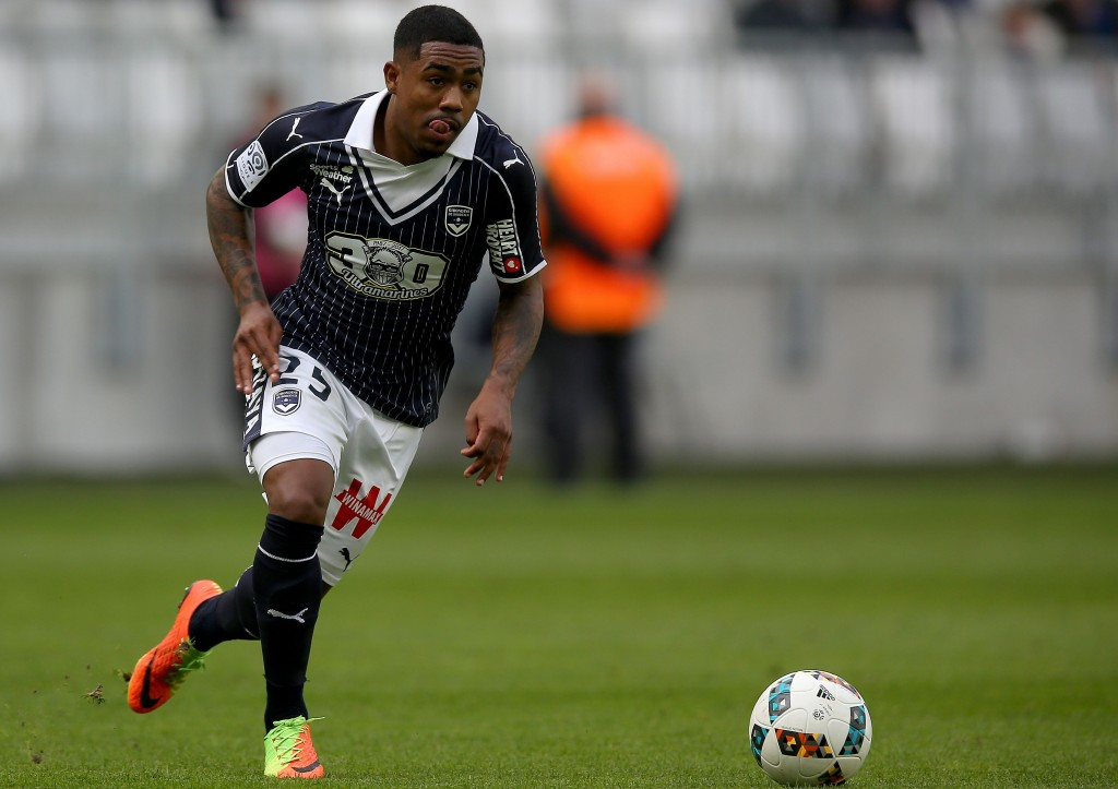 Bordeaux's Brazilian forward Malcom Filipe Silva de Oliveira controls the ball during the French L1 football match between Bordeaux (FCGB) and Guingamp on February 19, 2017 at the Matmut Atlantique stadium, in Bordeaux. / AFP / ROMAIN PERROCHEAU (Photo credit should read ROMAIN PERROCHEAU/AFP/Getty Images)