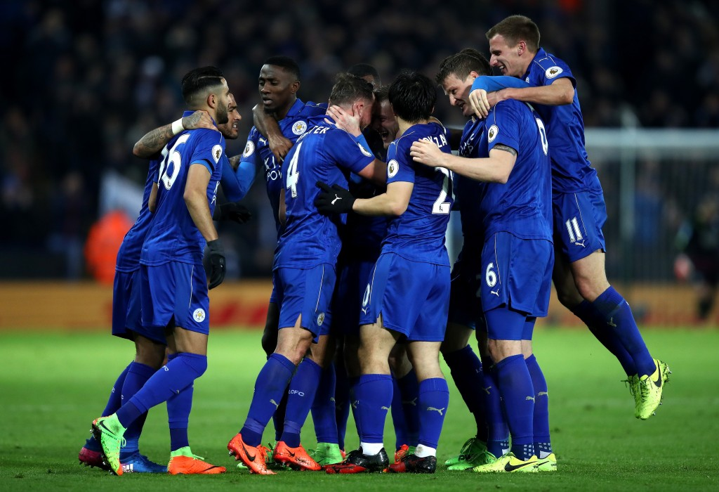 LEICESTER, ENGLAND - FEBRUARY 27: Daniel Drinkwater of Leicester City celebrates with team mates after scoring his sides second goal during the Premier League match between Leicester City and Liverpool at The King Power Stadium on February 27, 2017 in Leicester, England. (Photo by Julian Finney/Getty Images)