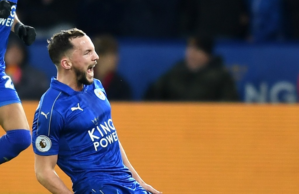 LEICESTER, ENGLAND - FEBRUARY 27: Daniel Drinkwater of Leicester City celebrates with team mates after scoring his sides second goal during the Premier League match between Leicester City and Liverpool at The King Power Stadium on February 27, 2017 in Leicester, England. (Photo by Michael Regan/Getty Images)