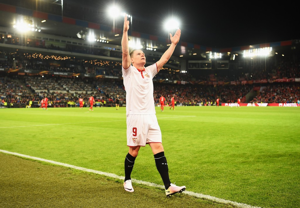 BASEL, SWITZERLAND - MAY 18: Kevin Gameiro of Sevilla celebrates scoring his team's first goal during the UEFA Europa League Final match between Liverpool and Sevilla at St. Jakob-Park on May 18, 2016 in Basel, Switzerland. (Photo by Lars Baron/Getty Images)