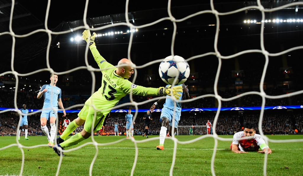 MANCHESTER, ENGLAND - FEBRUARY 21: Radamel Falcao (r) of AS Monaco scores the first Monaco goal past Willy Caballero during the UEFA Champions League Round of 16 first leg match between Manchester City FC and AS Monaco at Etihad Stadium on February 21, 2017 in Manchester, United Kingdom. (Photo by Stu Forster/Getty Images)